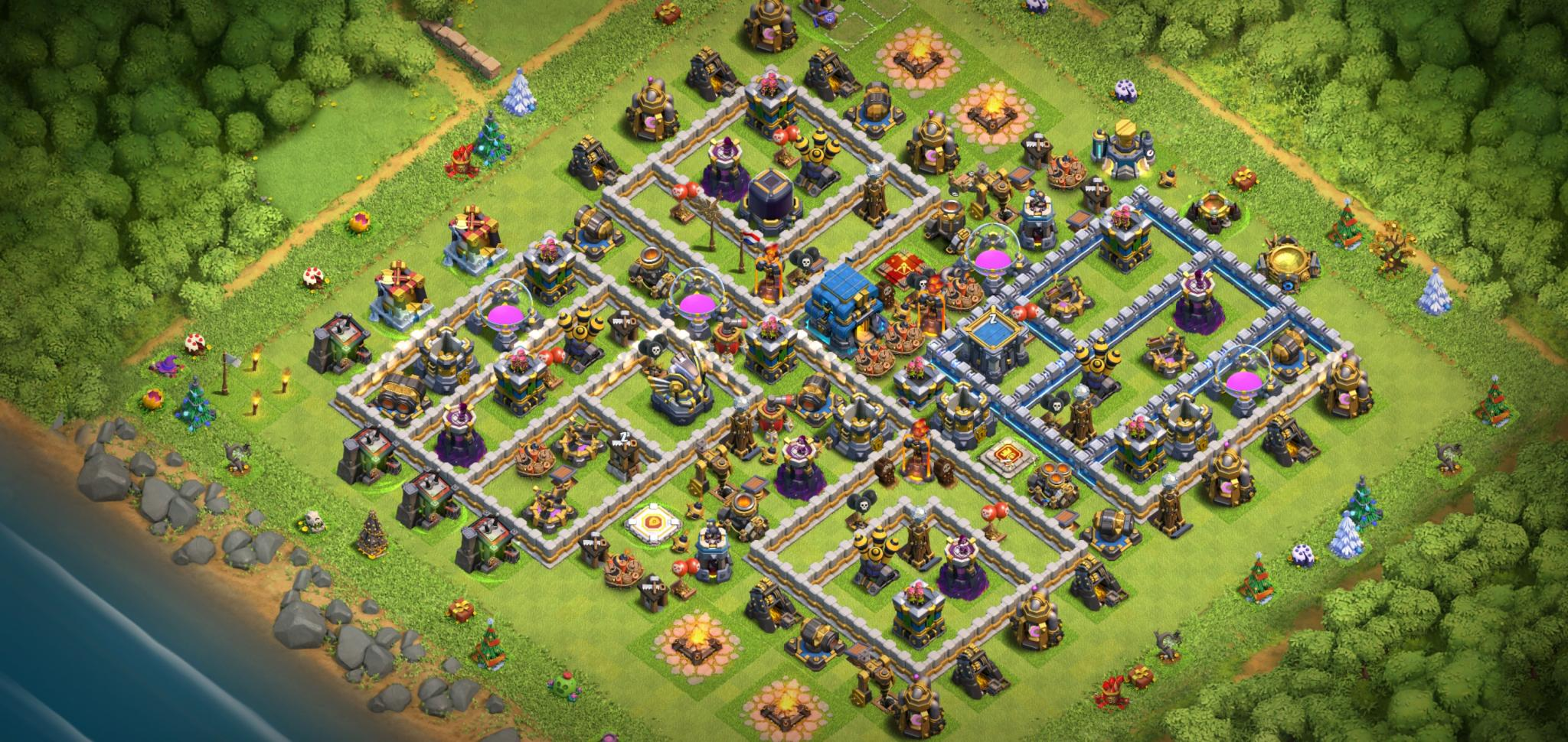 Clash of Clans hybrid base for Town Hall 12
